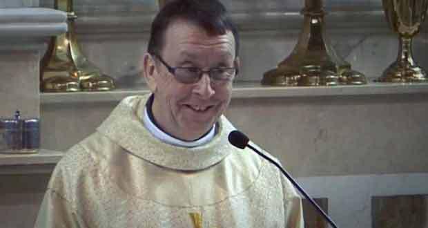Поющий ирландский священник (+ВИДЕО)